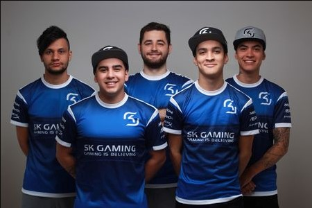 photo of gaming team